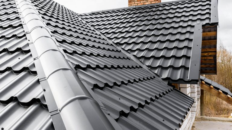 Selecting a Roofing Material That Will Last